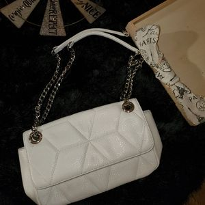 Calvin Klein Bags - Calvin Klein Womens Quilted Leather Crossbody Bag